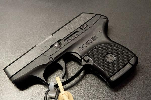 800px-ruger-lcp-1-1.jpg