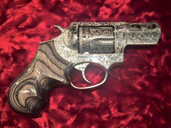 extensively-engraved-one-of-a-kind-berden-sp101-1-524.jpg