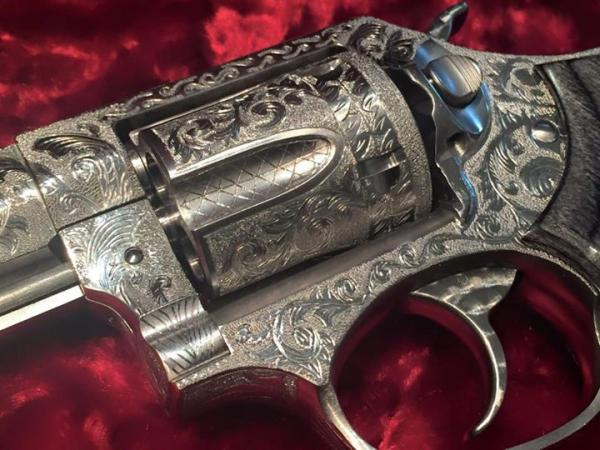 extensively-engraved-one-of-a-kind-berden-sp101-15-538.jpg