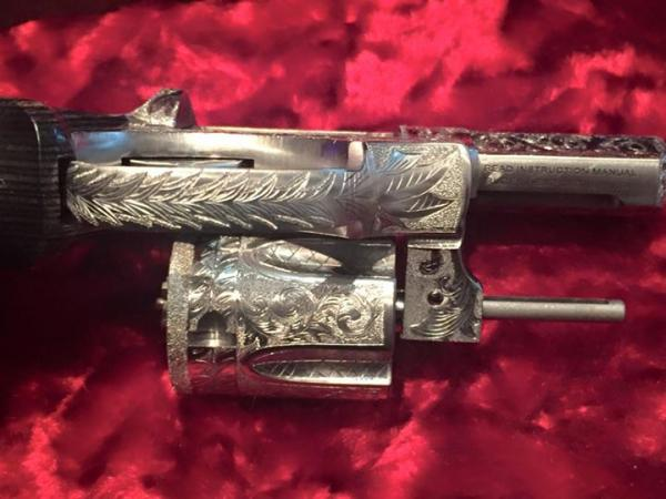 extensively-engraved-one-of-a-kind-berden-sp101-4-527.jpg