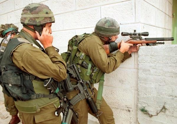 israeli-sniper-with-silenced-1022-191.jpg